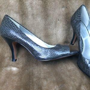Tahari snake skin -peep toe heels